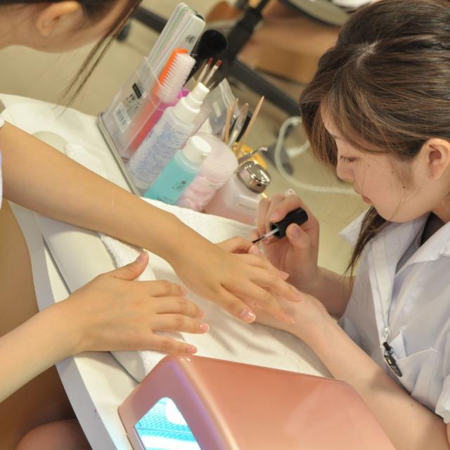 専門学校 水戸ビューティカレッジ 美容師体験♪メイク・ネイル・エステの体験もできる!3