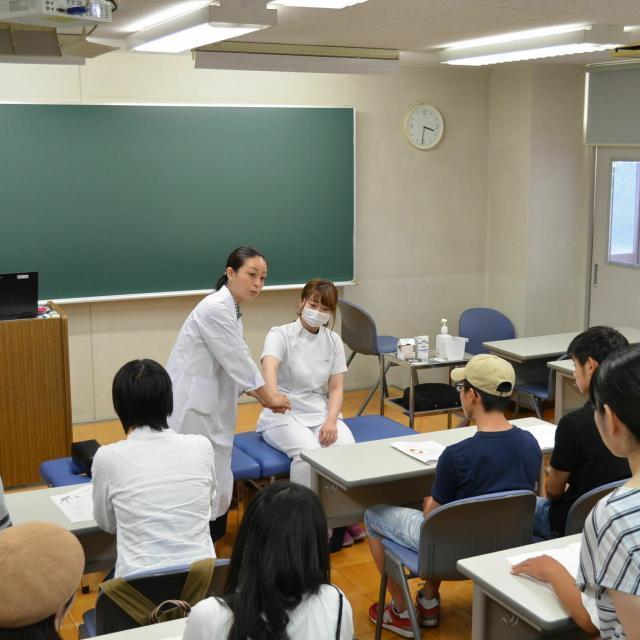 関西医療学園専門学校 女性のカラダ・健康を支える!笑顔あふれる仕事を目指す。4