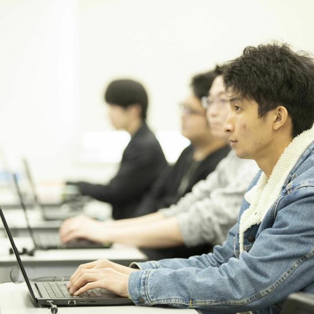 国際理工情報デザイン専門学校 【授業体験会】対象:情報システム科2