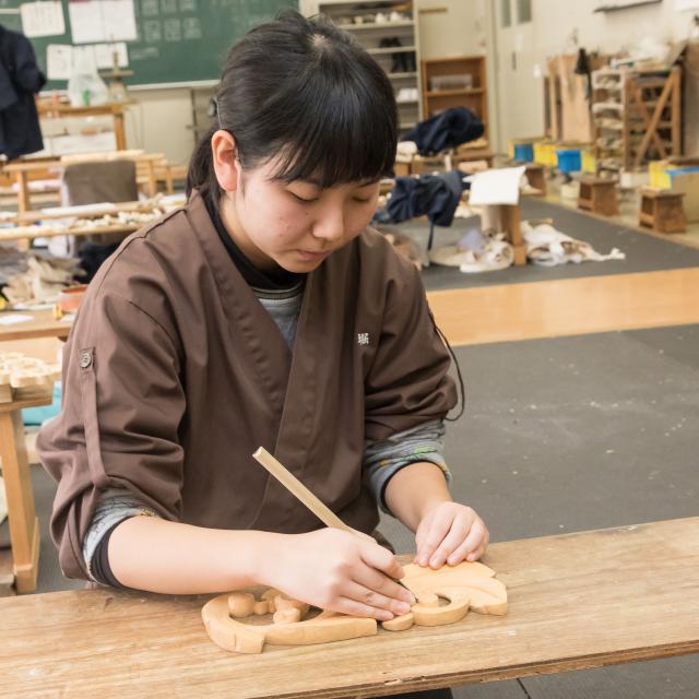 京都伝統工芸大学校 工芸体験キャンパス2018 木彫刻1