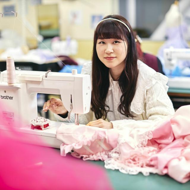 国際トータルファッション専門学校 人気のコスメもGETできる!友達や保護者と参加してみよう!2