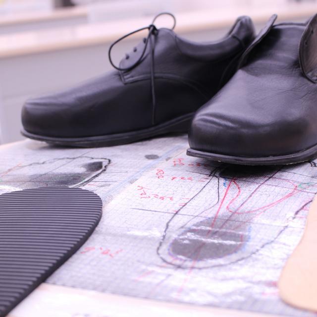 北海道ハイテクノロジー専門学校 今話題の「靴」を作る!義肢装具士は靴を作ることも仕事です!2