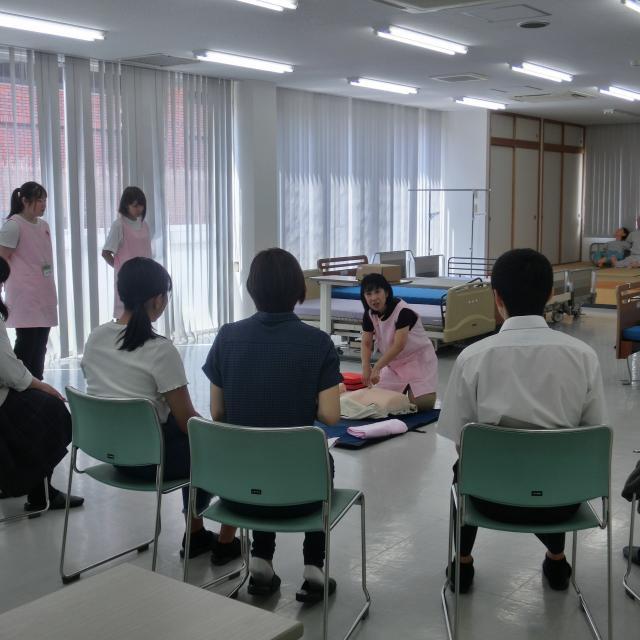 吉川福祉専門学校 介護に興味があるなら★吉川福祉専門学校★2