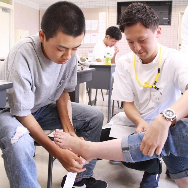 関西健康科学専門学校 在校生と一緒に実習に入り、キャンパスライフを体験!2