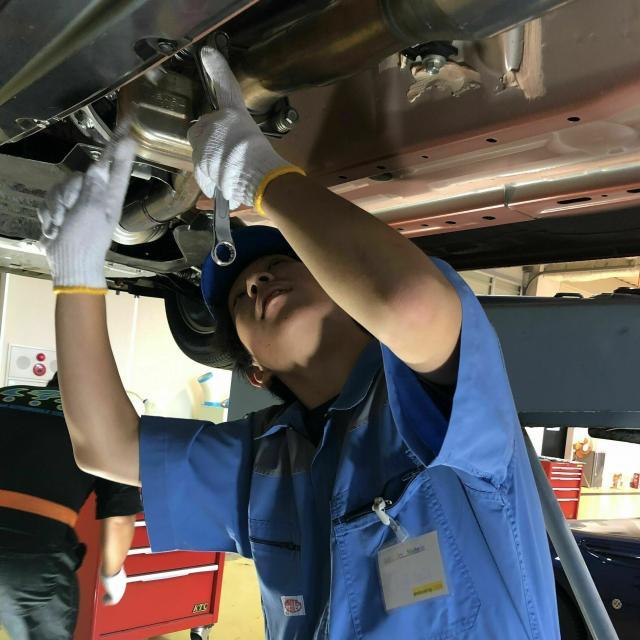 専門学校 千葉県自動車大学校 メカニックの体験実習☆自分で組付けたエンジンがかかる…!3