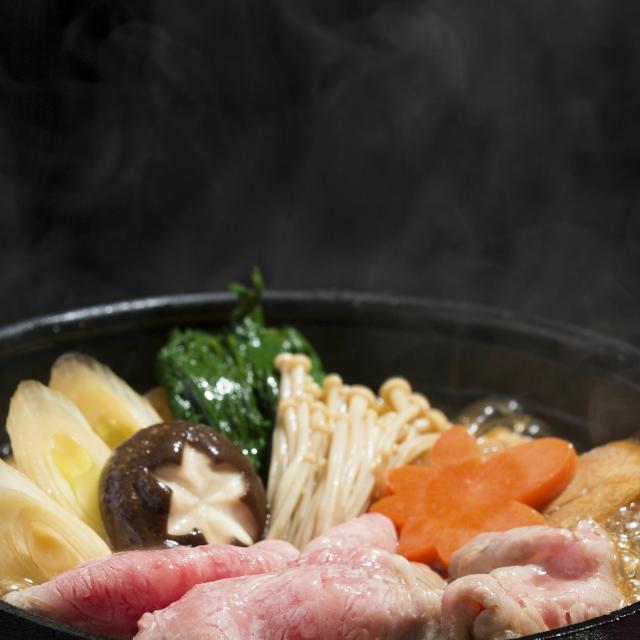 町田調理師専門学校 牛ロースの熱々【すき焼き鍋】1